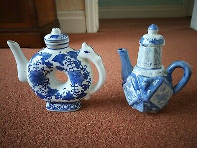 pair of Chinese blue and white teapots