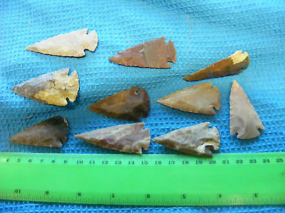 Lot of 10 Agate Arrowheads,recent..50mm size. (A) 2 inch size.