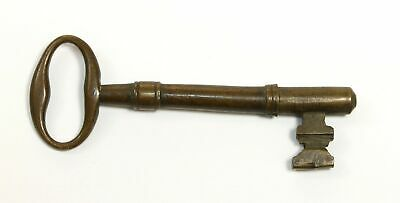 Antique Brass Skeleton Key Great For Steampunk Or Re-Purpose Projects! Kd350