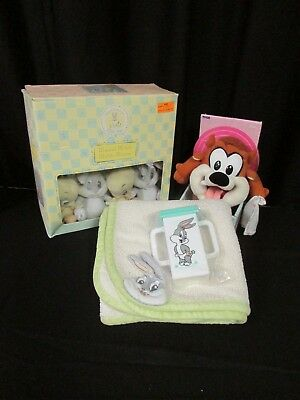 Baby Looney Tunes Crib Decor Musical Mobile VintageBaby Taz and Bugs Blanket