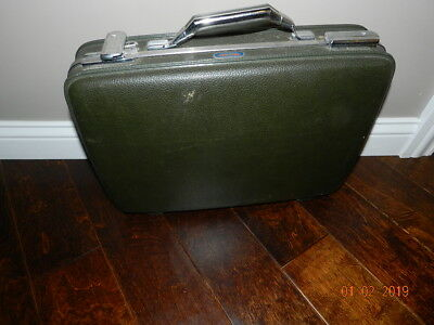 Vintage American Tourister Suitcase Luggage army green 19x11x5 inches key tiara