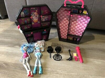 Monster High Dolls With Coffin Plastic Case Playset With Accessories Vintage