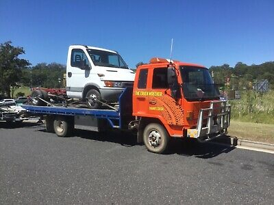 Isuzu. 1993 Tilt Slide Tow Truck 9.5 Gvm 5.6 Metres Registered And Roadworthy
