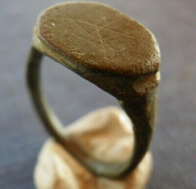 Antiker bronzener Ring