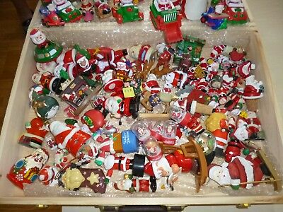 Lot de 120  figurines Père Noël