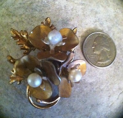 Vintage Antique Gold Tone Three Flower Brooch Pin with Faux Pearls ~ Unmarked