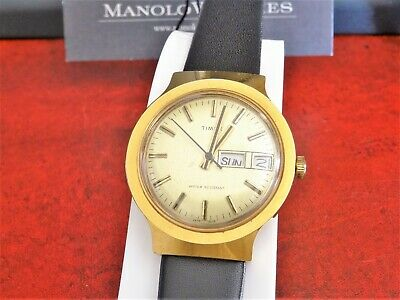 Vtg 1978 Timex Gold Tone Day/Date Hand Winding Men's Watch w/ 18mm Leather Band!