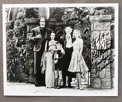 """PAT PRIEST """"Marilyn Munster"""" from the MUNSTER TV show 8x10 autographed photo TM"""