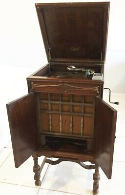 Brunswick Panatrope Gramaphone Player, needles and records