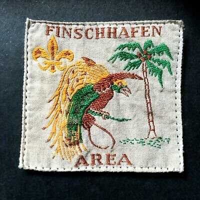 NEW GUINEA. FINSCHHAFEN  AREA SCOUT BADGE. FIRST ISSUE. COTTON. 1950's.