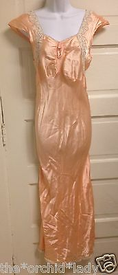 Vintage 1940's Peach Pink Rayon Bias Nightgown w/ Lace Trim and Ruching  ~M~