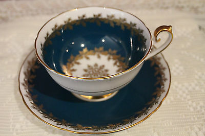 Shelley Lincoln Shape Teacup And Saucer - Teal With Gold Leaf Garland