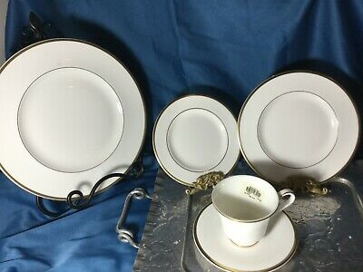 NEW Royal Doulton Alice fine English china 1-  5 piece place setting  tags  box