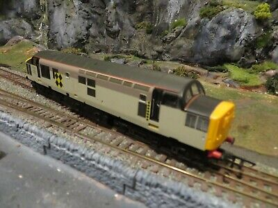 Hornby DCC Ready Class 37 Railfreight Coal Grey 37223 with New Network Rail Box