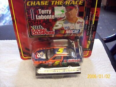 Racing Champions 1:64 NASCAR 2001 Chevy Monte Carlo #5 Terry Labonte