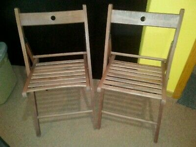 2 Vintage Wooden Folding Chairs Wood Slat Seats Pair Antique Excellent hardware