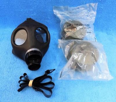 Police Military Gas Mask and 2 New Filters sealed