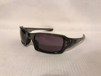 b46ad57be94a6 OAKLEY FIVES SQUARED Sunglasses Polished Black Frame Gray Lens ...