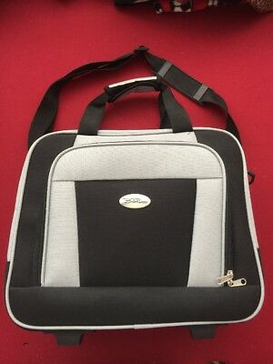 Bella Russo Travel Duffle Suitcase Luggage ~ Black & Grey w/ Wheels ~ New 16.5""