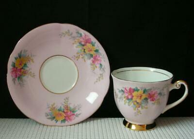 WINDSOR BONE CHINA Pale Pink & Floral FOOTED TEA CUP & SAUCER 141/62  England