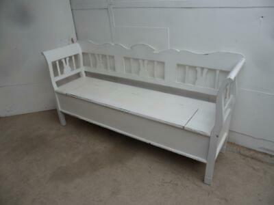 A Quality Painted White Antique/Old Pine 3 Seater Box Settle/Bench