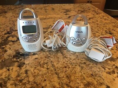 Vtech DM211 Safe & Sound Digital Audio Baby Monitor 1 Parent Unit & 1 Baby Unit
