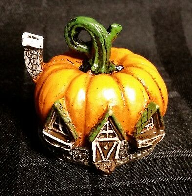 Micro Tiny Miniature Dollhouse Fairy Garden Pumpkin Cottage/Home/Halloween
