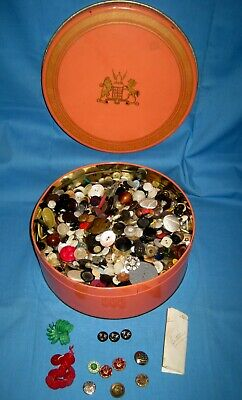 ESTATE FIND VINTAGE ~ 6.5 POUND ~ MIXED LOT OF OLD SEWING BUTTONS & Tin!