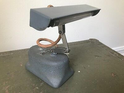 Bausch Lomb Optical Co. 31-33-54 Adjustable 115V Lamp