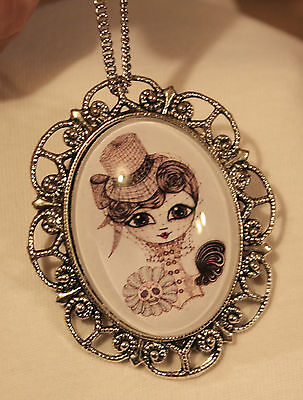 Scalloped Rim Silvertone Lovely Old-Fashioned Lady with Veiled Hat Necklace Pin