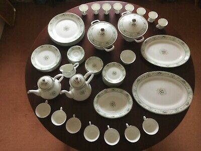 Wedgewood Agincourt Bone Chine Exclsuive Dinner Set (61 piece, new and unused)
