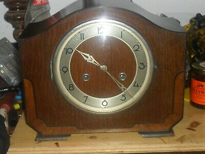 A Fine Art Deco mantle clock with hourly chime