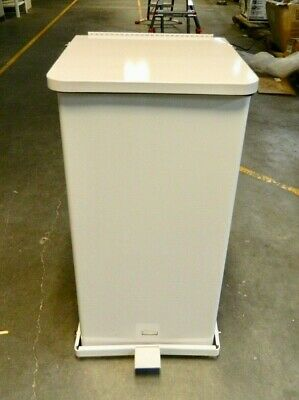 Rubbermaid 24 Gal Square Unlabeled Trash Can FGST24ERBWH