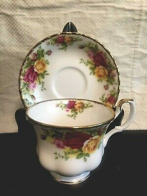 Royal Albert Old Country Roses Cup and Saucer, Pink & Yellow Flowers, Gold Trim