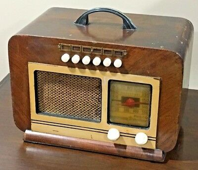 Antique working Philco PT-66 Art Deco tube radio