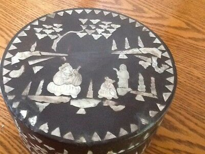 LargeFabulous Antique/ Vintage Chinese Wooden Lacquer Box inlaid Mother of Pearl
