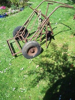 Heavy duty and rusty welding trolley £35