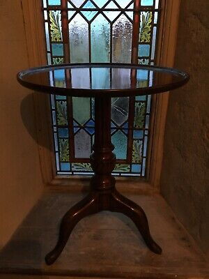 Antique Mahogany 18th Century Dish Top Tripod Occasional Table Wine Side Lamp