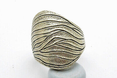 Post medieval period silver ring with pattern
