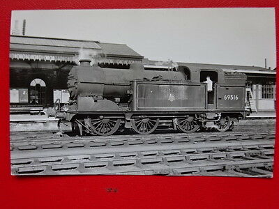 Photo  Lner Ex Gnr Class N2  Loco No 69513 At Grantham 26/8/59