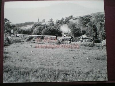 Photo  10 X 8 Inch Lner Loco 2005 & Lms 5407  With 'The North Eastern' At Greenh