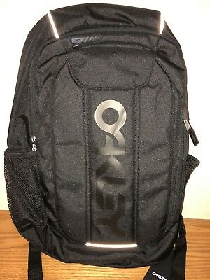 d19de1610 Oakley Men's Enduro 20L 3.0 Backpack in Blackout ~ One Size ~ New w/ Tag