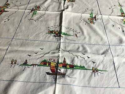 Vintage Tablecloth Suppercloth 5 serviettes