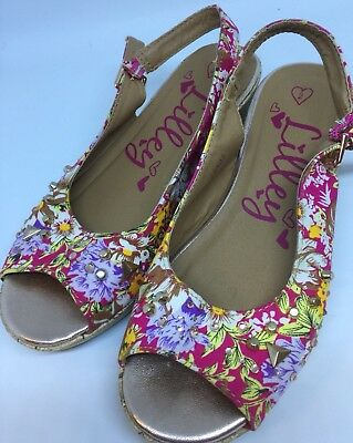 Lilly's Girls Shoes Size 2 Strappy Summer Flower Floral Embellished Sandals