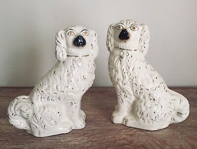 Pair of Large Antique Staffordshire Mantle Dogs Figurine Spaniel 19th Century