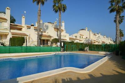Costa Blanca South: 4 Bed Villa + Wi-Fi + Overlooking Pool + A/C - Villamartin