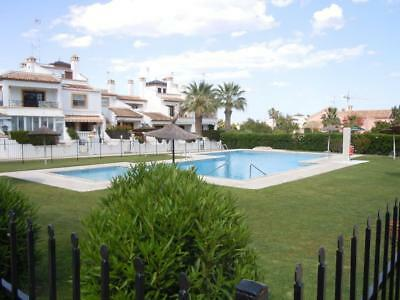 Costa Blanca South: 2 Bed House + Wi-Fi + Pool Full Air Con - Villamartin Area
