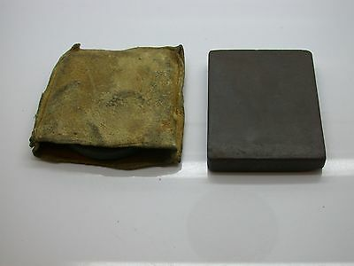Two watch clockmaker bench stones - Clock Parts - 32DD