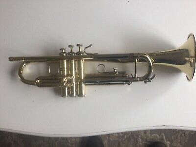 BACH USA TRUMPET TR200 spare or repairs + Very nice B&s