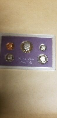 1985-s  U.S.Proof set. Genuine. complete and original as issued by US Mint.